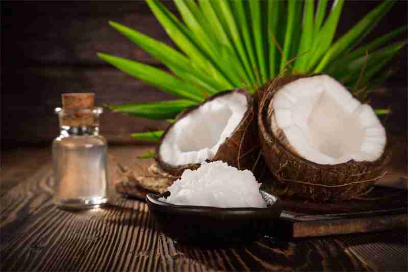 Uses and Benefits of Coconut Oil for Skin