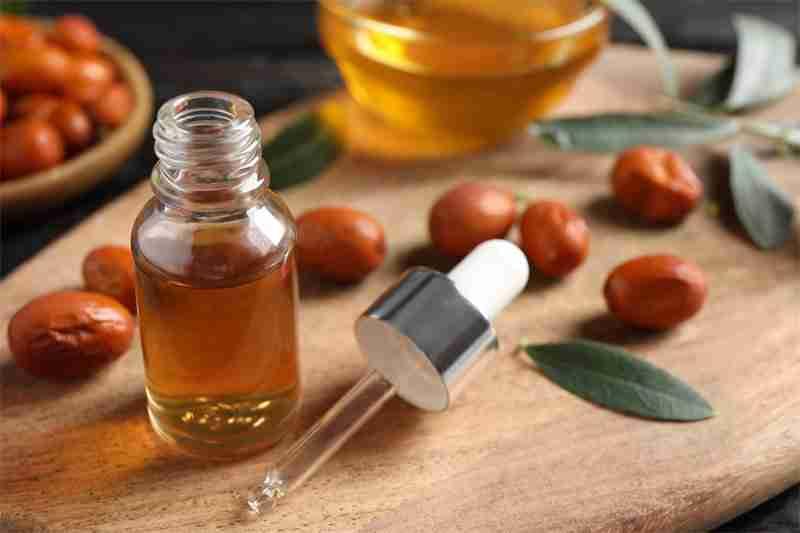 Jojoba Oil Benefits for Skin Care